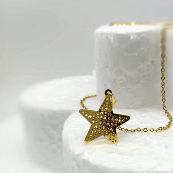 Collar-gargantilla para mujer, de estrella y acero. Un regalo original.