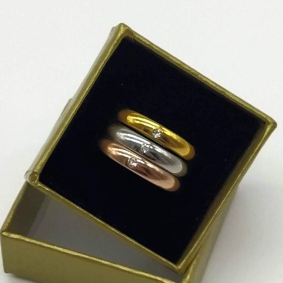Anillo moda para mujer de acero inoxidable tres oros y circonita brillante imitación cristal oro, antialérgico.