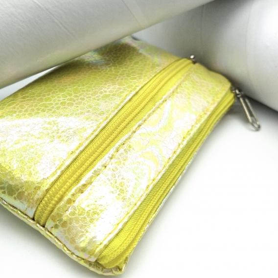 Monedero con cremallera para mujer de color amarillo rectangular, moda casual.