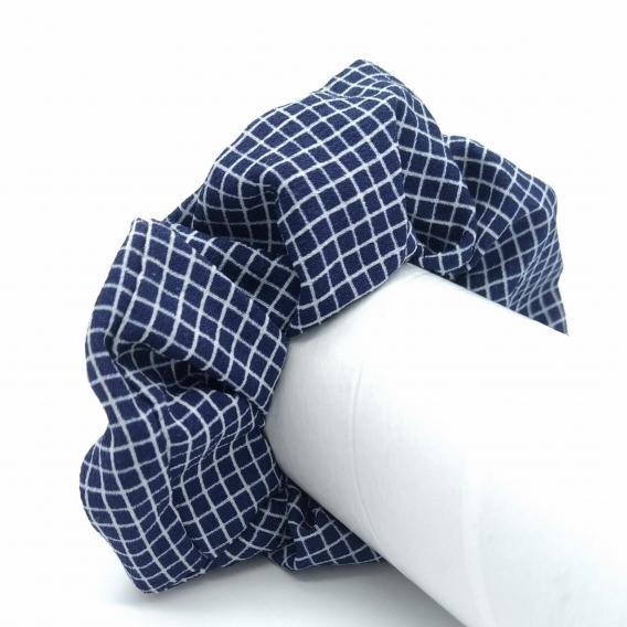 scrunchies para el pelo color azul marino con cuadros para mujer.