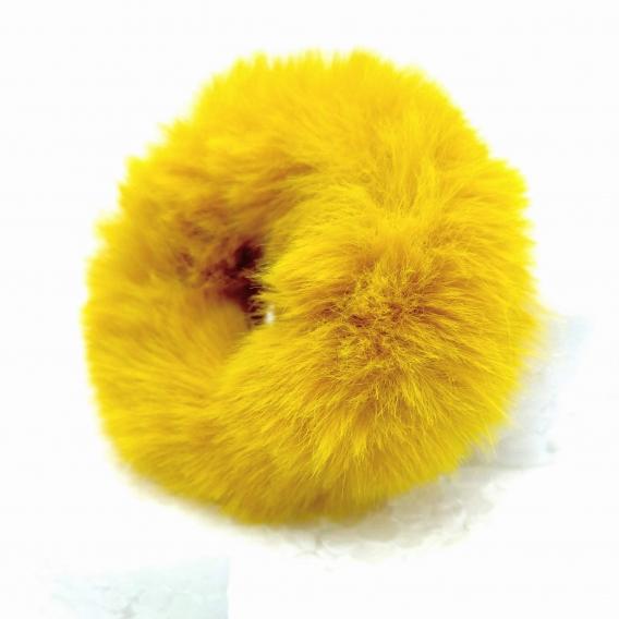Goma de pelito color mostaza, accesorio para el pelo.