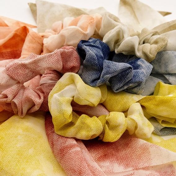 Goma con pañuelo para pelo de mujer, accesorio de moda.