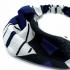 Diadema elástica de tela para mujer, accesorio de pelo, color negro, azul y blanco.