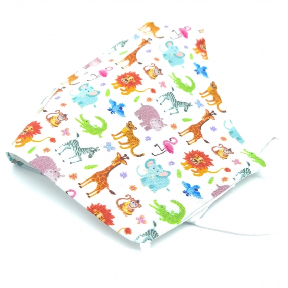 Mascarilla de tela infantil, niño y niña, con diseño de animales, lavable y con apertura para filtro.