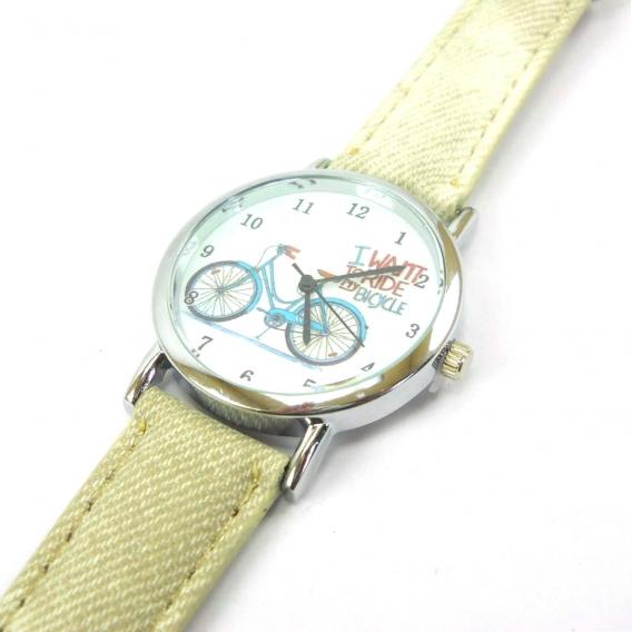 Reloj beige para mujer con dibujo y correa vaquera