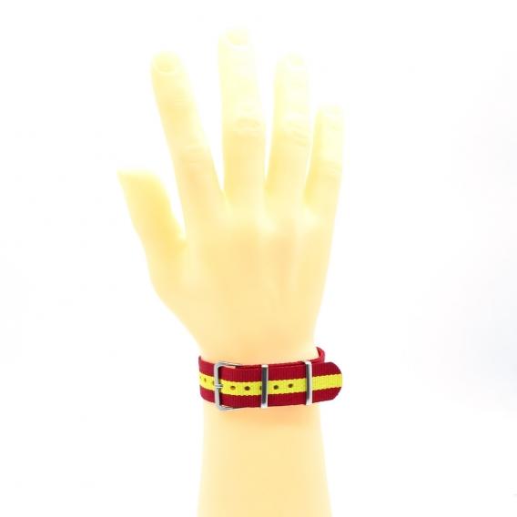 Pulsera bandera de España forma correa de reloj.