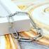 Pulsera de eslabones color plata ancha ajustable para mujer