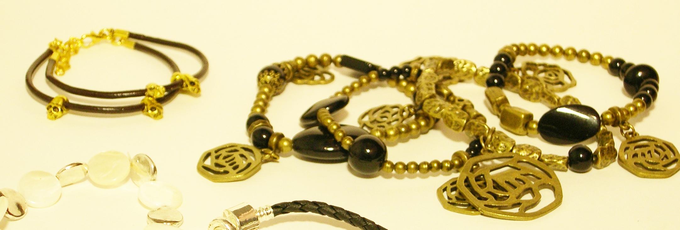 pulseras de bisuteria de mujer doradas