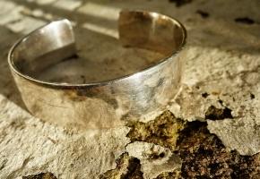 Consejos para limpiar tus joyas y que queden perfectas